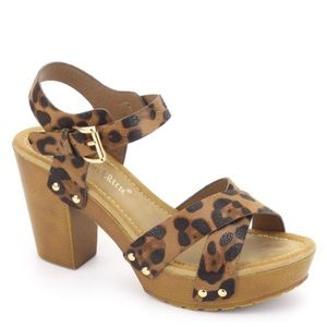 Shoes - Retro Vibe leopard platform light weight SANDALS